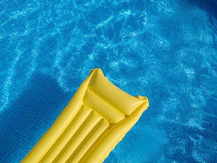 Dmuchane atrakcje wodne - idealna zabawa na lato