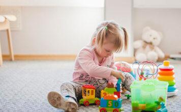 Zabawki zręcznościowe dla dwulatka - jaki prezent wybrać